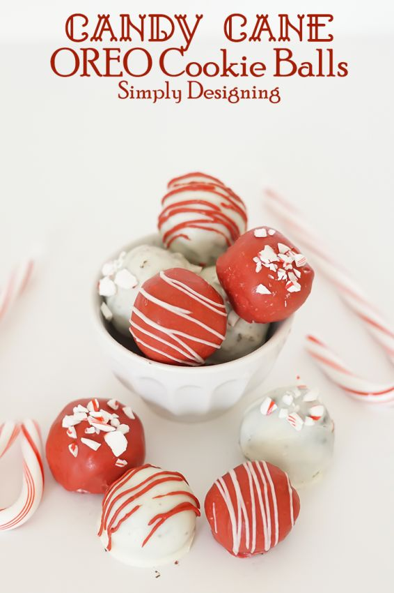 Candy Cane #OREOCookieBalls with peppermint striped drizzle and crushed peppermint topping courtesy of @SimplyDesigning. #ad