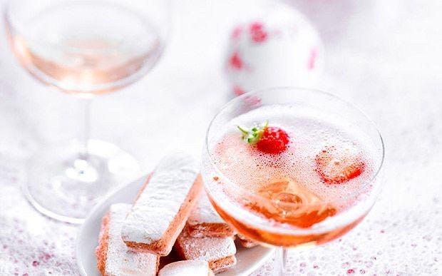 Refreshing rosé wine cocktails for summer