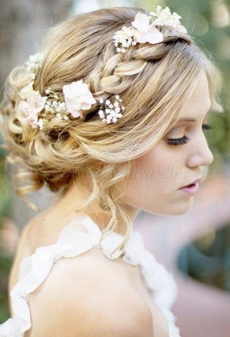 fonott menyasszonyi frizurák - fonott esküvői frizura