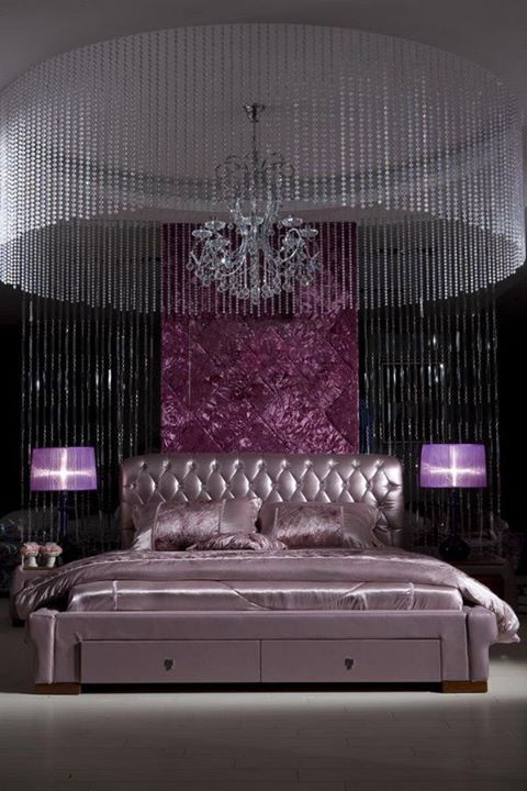 Not like I could ever do the whole crystal thing but the idea of hanging jewels from  the ceilings. Pretty