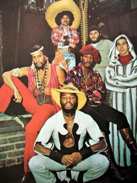 Mandrill - jazzy funk band with Latin influences. Founded in 1968 by three brothers of Panamanian birth: Ric, Lou, and Carlos Wilson, who played sax, trumpet, and trombone, respectively. Best appreciated live or in LP format.
