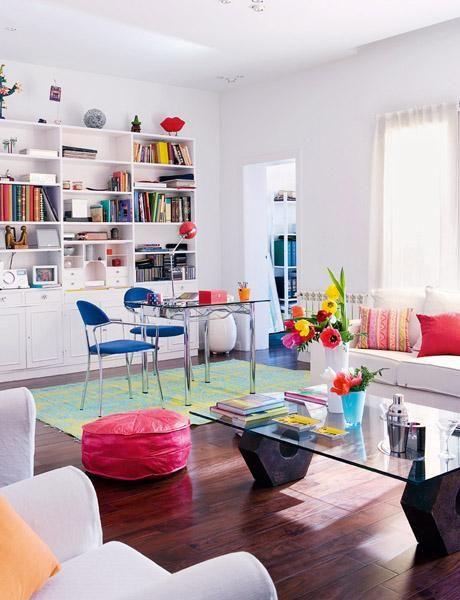 Un #salón decorado con estilo #moderno y lleno de color