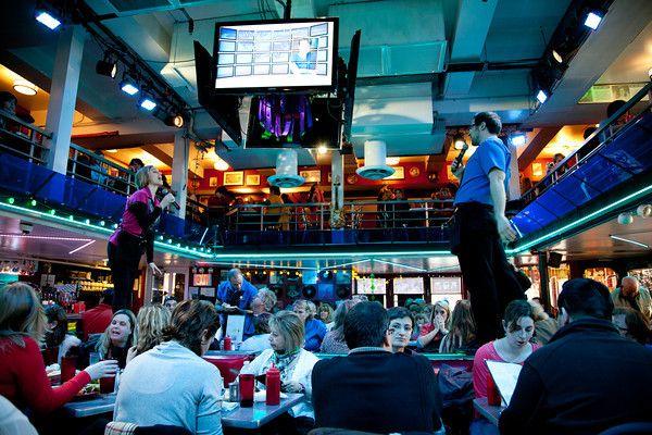 Ellen's Stardust Diner; Kid-friendly Restaurants, Midtown Manhattan, New York - Adventure, baby!