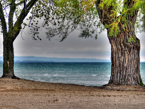 The beach at lakeside park in port dalhousie
