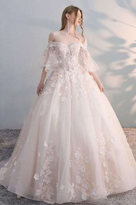 Gown de mariage : Gentle champagne tulle lace applique lengthy promenade costume, champagne wedding ceremony costume