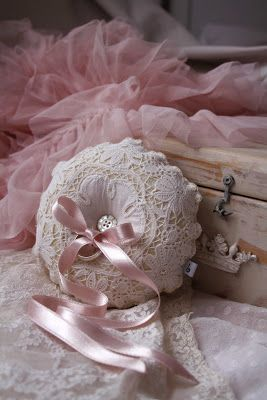 vintage lace ring pillows