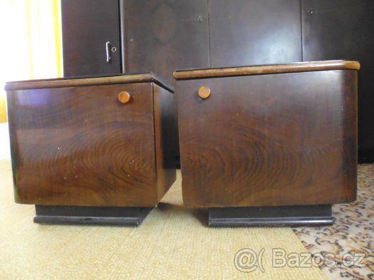 2 noční stolky  z r 1953 - 1