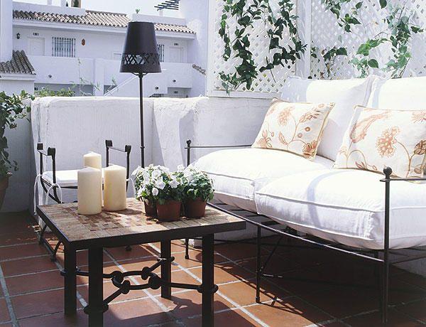 Un #salón en la #terraza: blanco mediterráneo