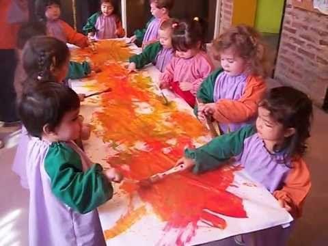 """Niños pintando al ritmo de la música Grupo """"B"""""""