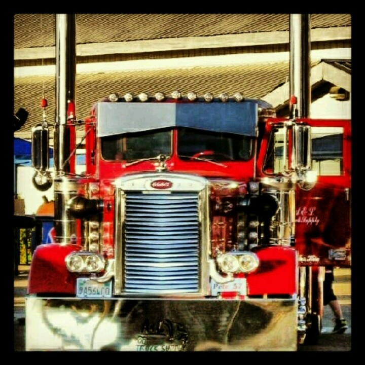 Pencil nose Peterbilt not sure of the year model but its ...