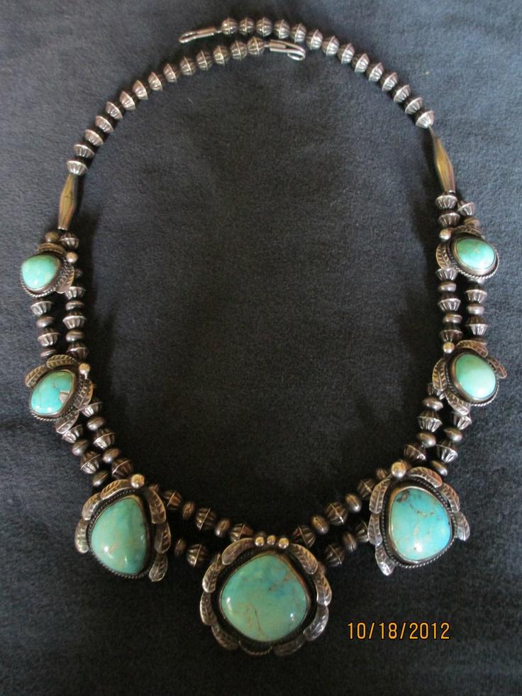 Vintage sterling silve turquoise neckalce.