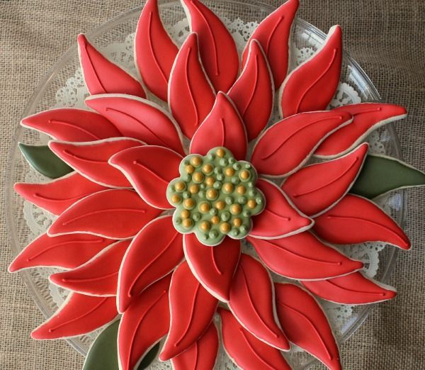 Easy Poinsettia Platter...it's made from cookies! Gorgeous!