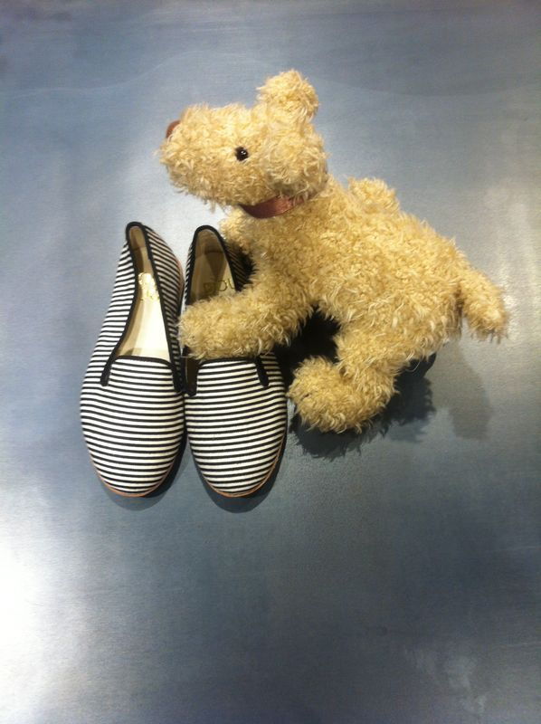 DOUUOD&shoes&details Stripes slipper Your best friend