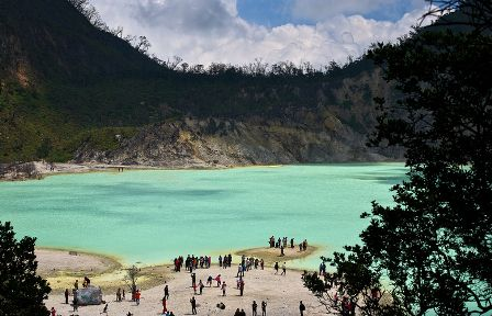 PAKET TOUR BANDUNG MURAH - DAGO HOLIDAY: Paket Perjalanan Wisata Bandung Selatan Kawah Puti...