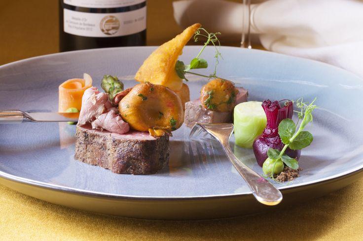 Heerlijk dineren in een unieke ambiance! Genieten van onze wisselende seizoensmenu's of een eigen combinatie uit de a la carte-kaart.