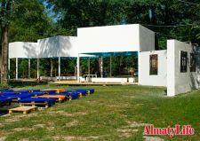 4 июля в Алматы состоялось открытие общественного культурного пространства ARTPOINT. Своеобразный летний театр, выставочное пространство под открытым небом и место, где можно приятно провести время абсолютно бесплатно расположилось ...