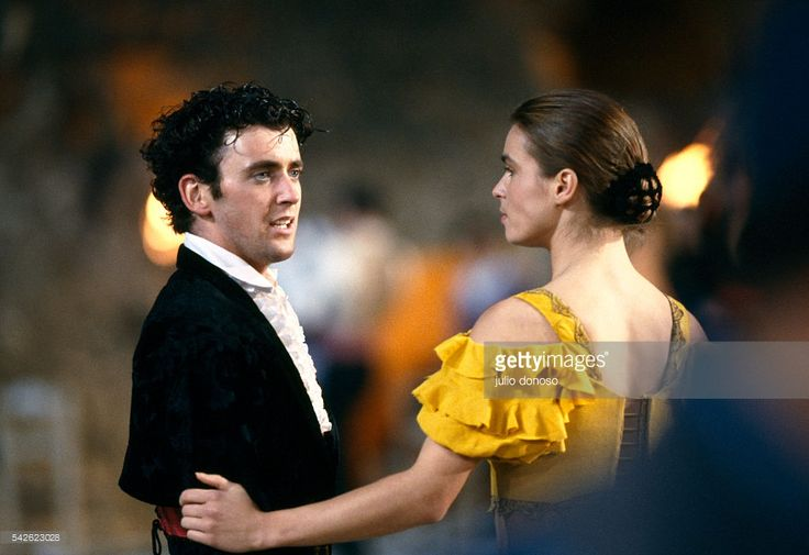 Olympic medalists Brian Orster and Katarina Witt perform in the 1990 television program Carmen on Ice. The program, filmed by Horant H. Hohlfeld, is based on Georges Bizet's opera.