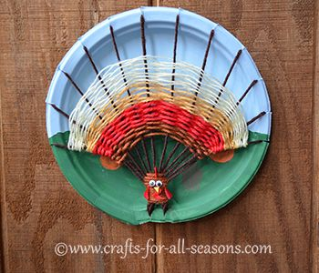 Weaved yarn turkey craft, from Crafts For All Seasons