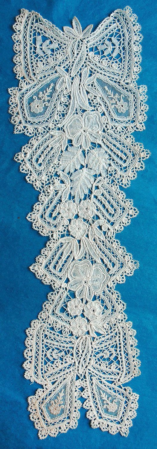 Brussels Duchesse dress ornament from the 12/27/2015 Ebay Alerts.