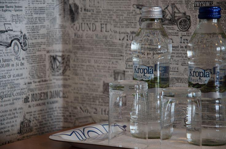 W każdym pokoju na Gości czeka markowa woda mineralna.