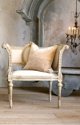 Antique French Chair www MadamPaloozaEmporium com  www facebook com MadamPalooza. Best 20  French chairs ideas on Pinterest   French country chairs