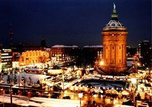Weihnachtsmarkt beim Wasserturm - Mannheim