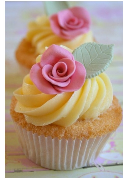 Sweet, girly and perfect for spring.: Spring Cupcakes, Colors Combos, Pretty Cupcakes, Gooseberry Patch, Vanilla Cupcakes, Rose Cupcakes, Cupcakes Cak, Pink Rose, Cups Cakes