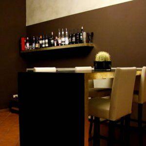 www.miaikea.com - Un tavolo americano ricavato da delle mensole lack