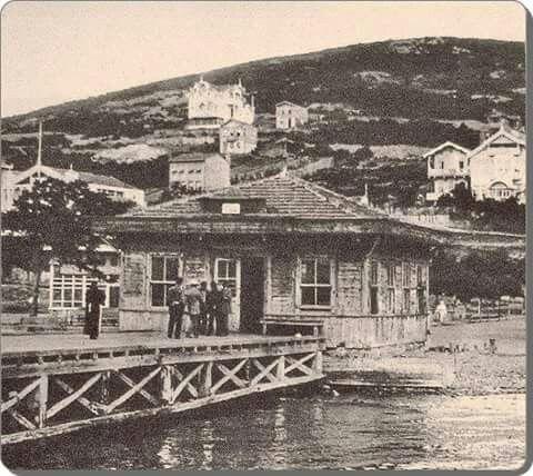 Kınalıada vapur iskelesi, Istanbul.