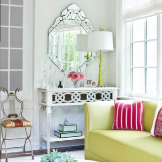 Console table: Side Tables, Antiques Mirror, Living Rooms Design, Consoles Tables, Sit Rooms, Little Green Notebooks, Families Rooms, White Wall, Bright Colors