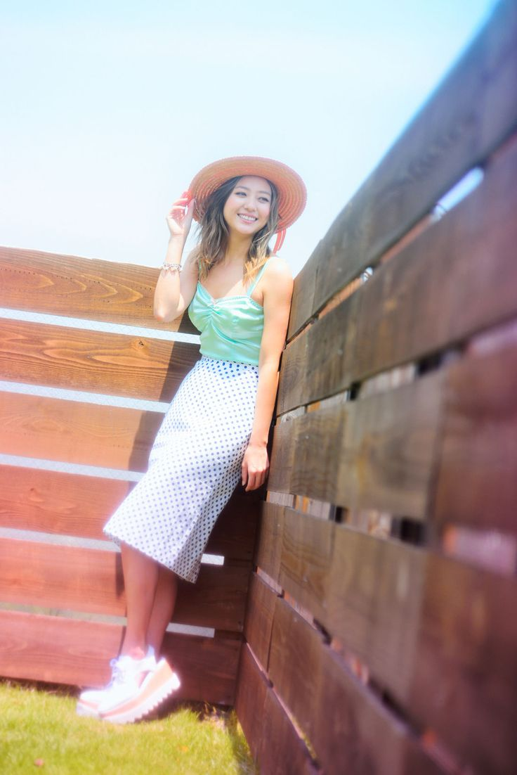 AAAのファッションアイコン、伊藤千晃のリアル私服が気になる♩|MERY [メリー]
