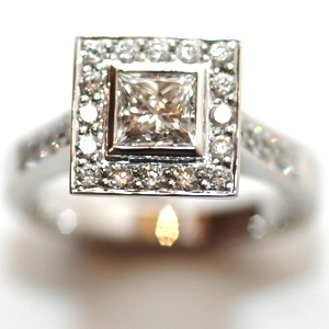 ladies engagement ring 525Engagement Ring
