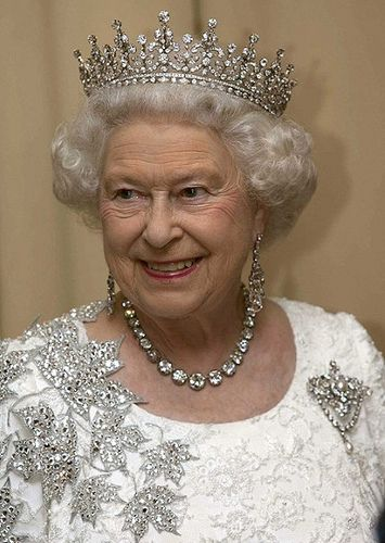 Queen Elizabeth wore the Coronation necklace in Canada with her maple leaf dress in July 2010 with the Girls of Great Britian and Ireland Tiara