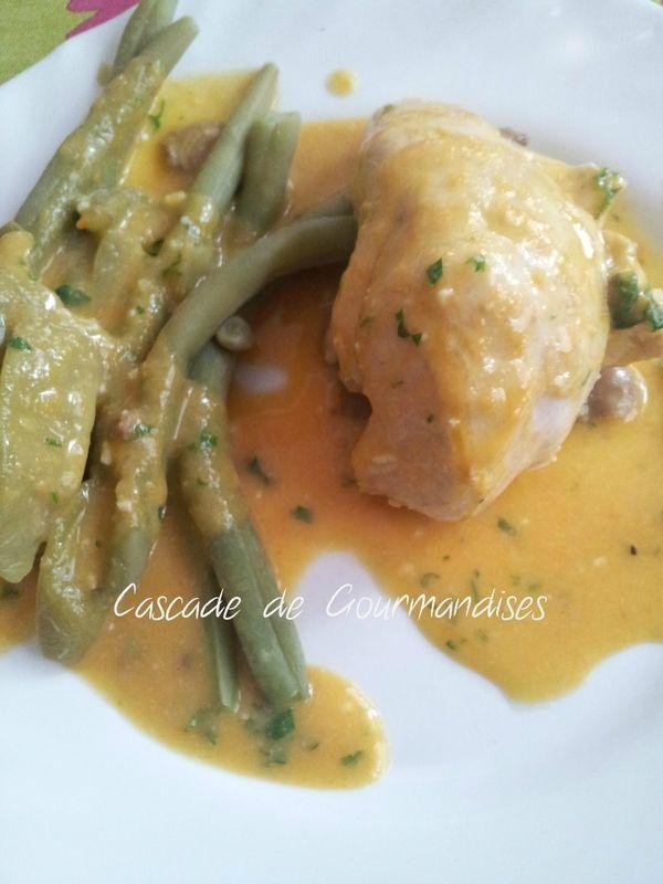 Clo S : Blanc de poulet sauce carotte au Thermomix. Délayer un peu la sauce et mettre moins de fromage.