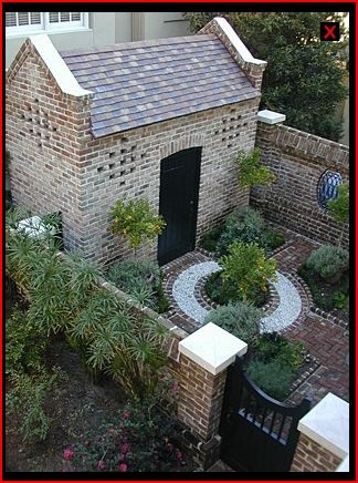 1000 ideas about small courtyards on pinterest small for Beautiful small gardens