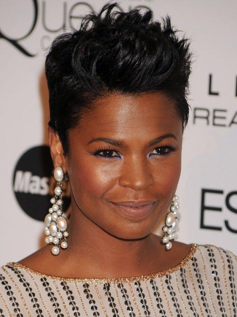I have always wanted to cut my hair this short, but I am scared....and did I mention I LOVE Ms.Nia Long!!!