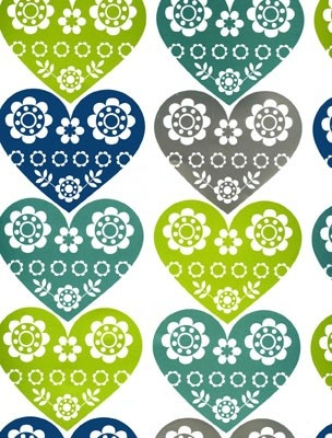 Five sheets of gorgeous sheet wrapping paper (with silver detail) illustrated with scandinavian-style hearts.  Paper quality: High
