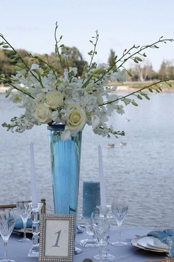 Tiffany blue and white tall centerpiece very simple to diy - Blue and white centerpieces ...