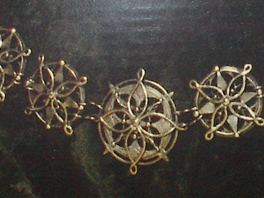 Pattern and tips to make Eowyn's medallion belt.