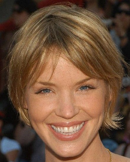 Ashley Scott Cute Layered Short Hair Cut