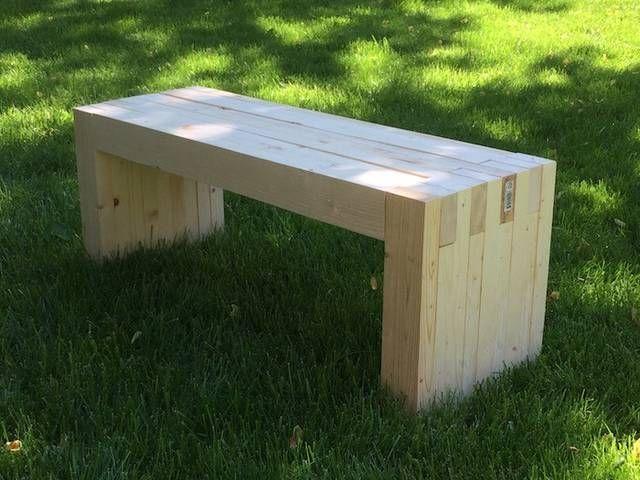 手に入れやすく、加工もしやすい2×4材を使った、ベンチの作り方。思いつきそうでつかなかった2×4材の使い方です!