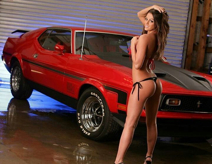 muscle car nude pin up girls