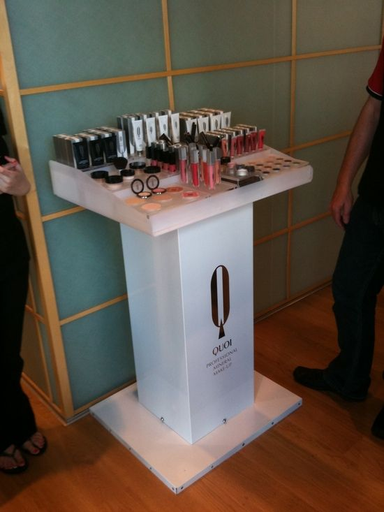 Custom ACM/Acrylic Makeup and Beauty Product Display Stand.