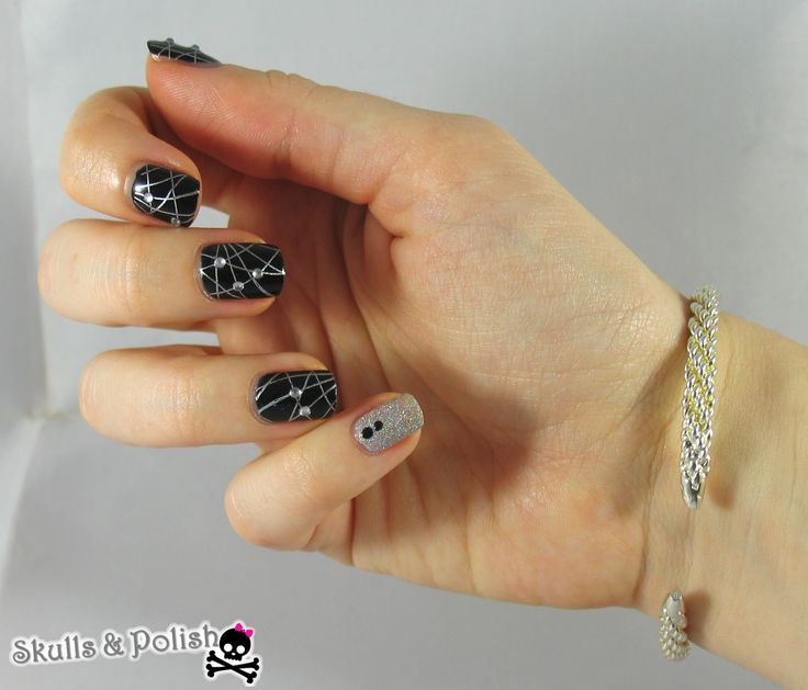 skulls polish petit nailart pour bijoux ch rie nail art pinterest. Black Bedroom Furniture Sets. Home Design Ideas