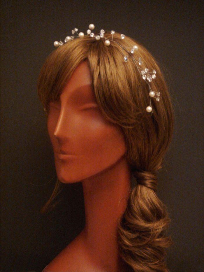Coroncina da sposa con zirconi e perle by Art & Chic Atelier