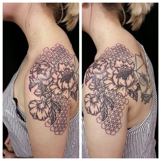 Did this fun little piece today! #peony #honeycomb #hexagon #tattoo #toronto #aliek