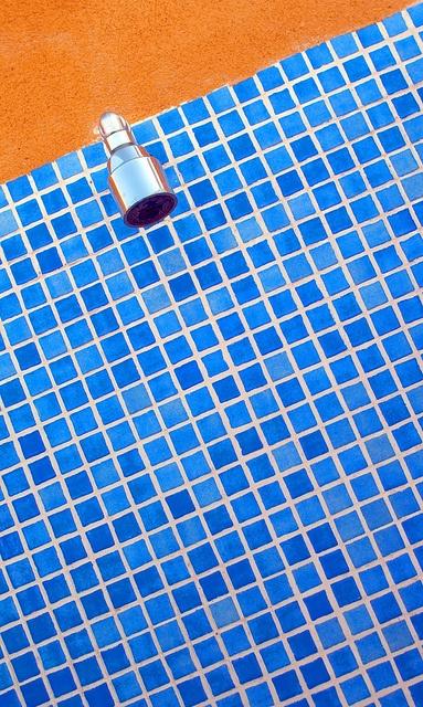 14 best images about orange bathroom on pinterest memory for Blue and orange bathroom