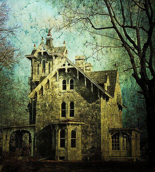 haunted: Places Houses, Dream, Beautiful, Creepy Places, Beauty, Haunted, Abandoned Houses, Abandoned Places