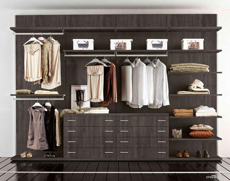La linearità e lo stile minimale del sistema modulare Ta-Tac rendono le pareti attrezzate belle ed organizzate nel migliore dei modi, al punto da rendere il sistema ideale anche per attrezzare spazi espositivi, atelier e boutiques oltre che qualsiasi spazio della casa, sia della zona notte che zona giorno