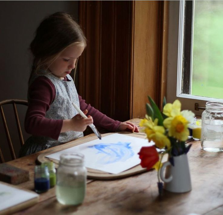 As part of the 'Inspired By Nature' series, today I'm talking to a busy mother who is deeply focused on seasonal and family rhythms. Through her life with her husband and four children, she works to help other parents create clarity, balance and rhythm within their days with her Seasonal E-Guides. Read more at Geoffrey and Grace...